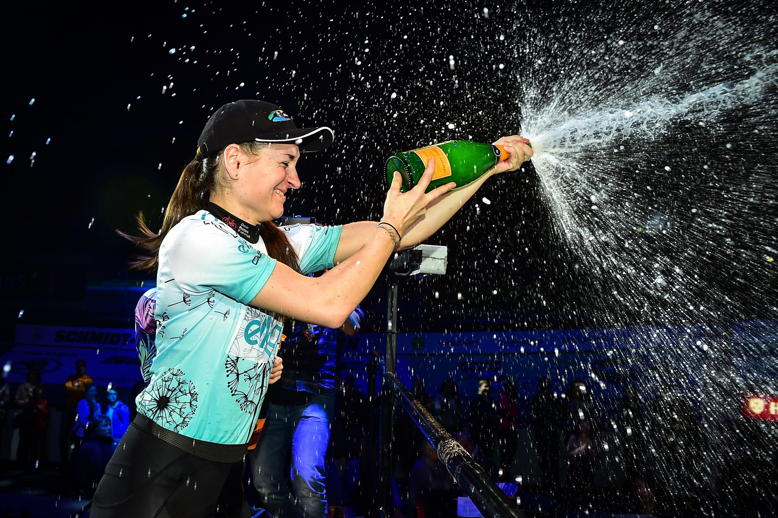 Anna Knauer gewinnt Frauenwettbewerb