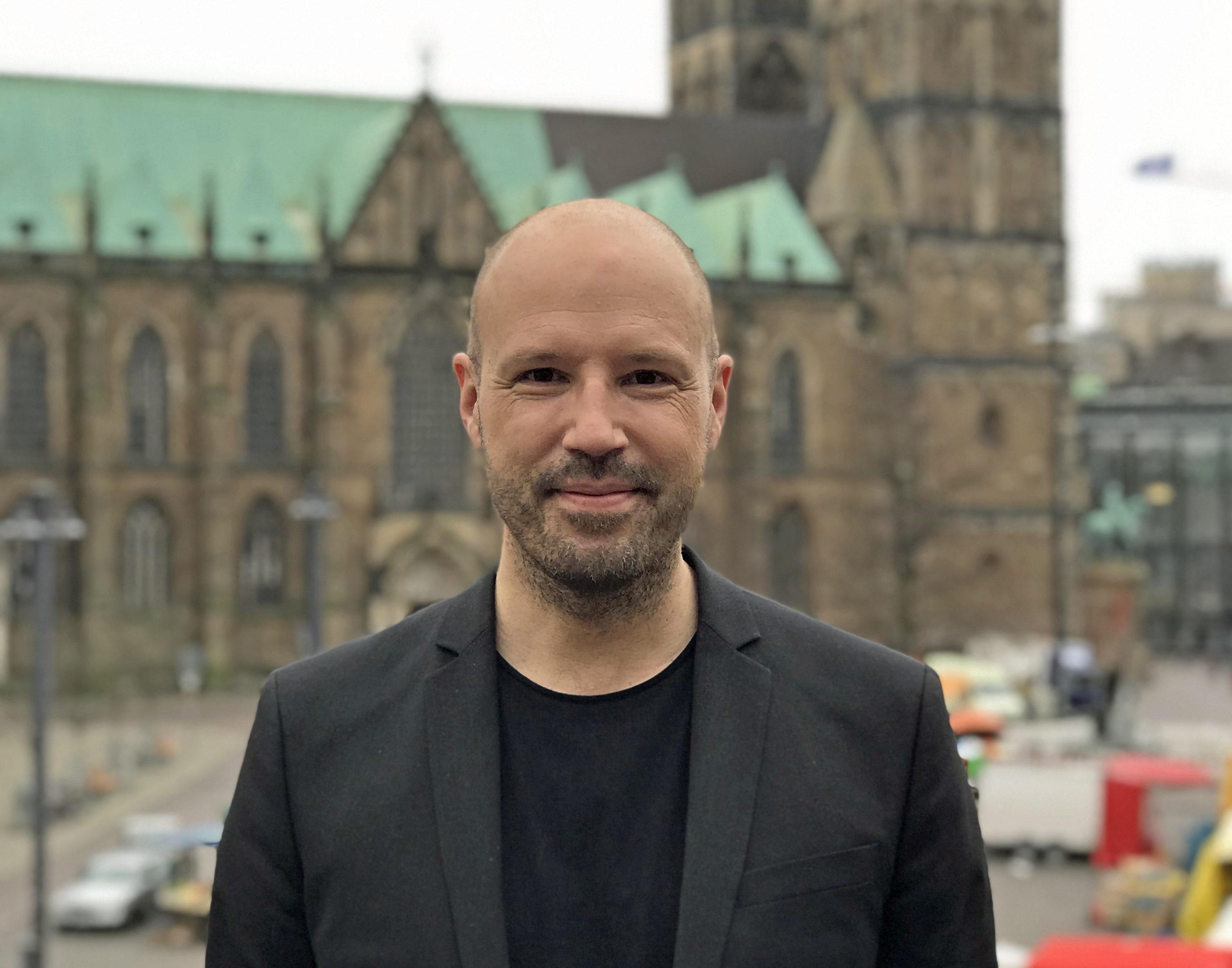 Christopher von Deylen alias Schiller schickt Radsportprofis ins Rennen