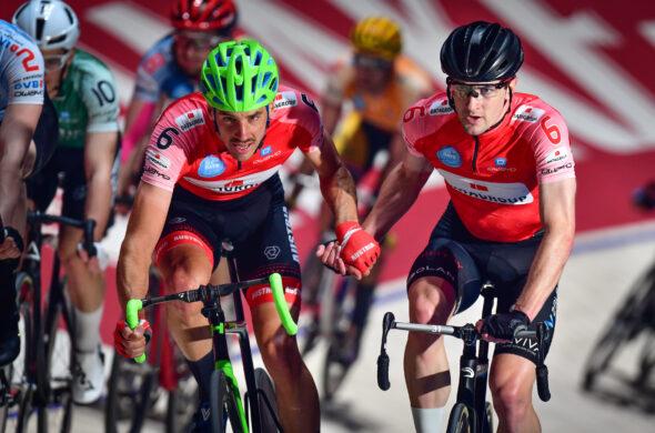 Andreas Graf und Marc Hester bleiben an der Spitze des Profifelds